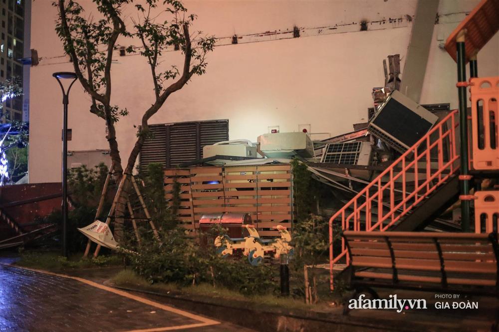 Hà Nội: Sập giàn điều hòa chung cư trong đêm, đúng vị trí sân chơi trẻ em khiến cư dân hoảng loạn-6