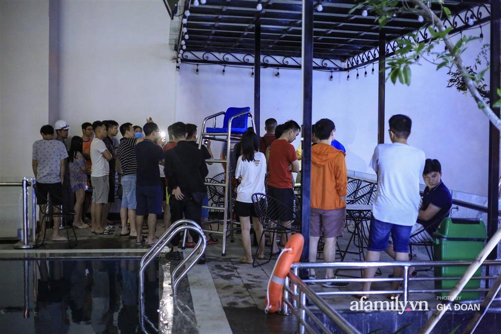 Hà Nội: Sập giàn điều hòa chung cư trong đêm, đúng vị trí sân chơi trẻ em khiến cư dân hoảng loạn-9