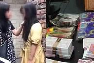 Ôm hận sau khi chia tay, người phụ nữ 'khủng bố' mẹ vợ tình cũ bằng hoa tang vàng mã, đe dọa tình địch đến sảy thai