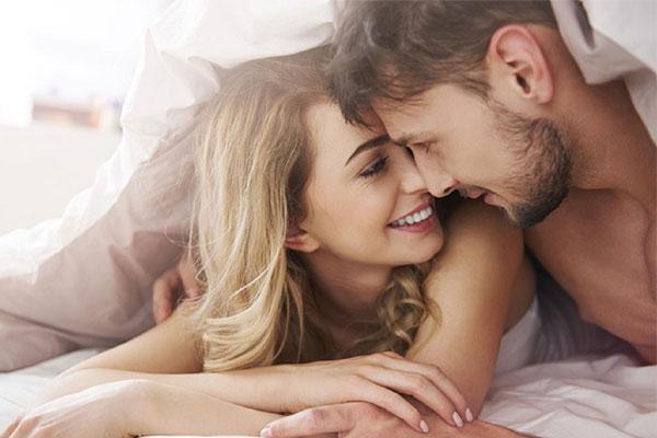 3 hành động nhỏ mà phụ nữ thường ngại thể hiện nhưng đàn ông lại thích tới phát cuồng si-1