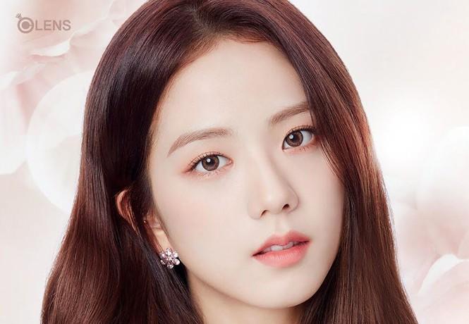Ngọc Trinh khiến netizen khóc thét vì đeo lens giả trân-10
