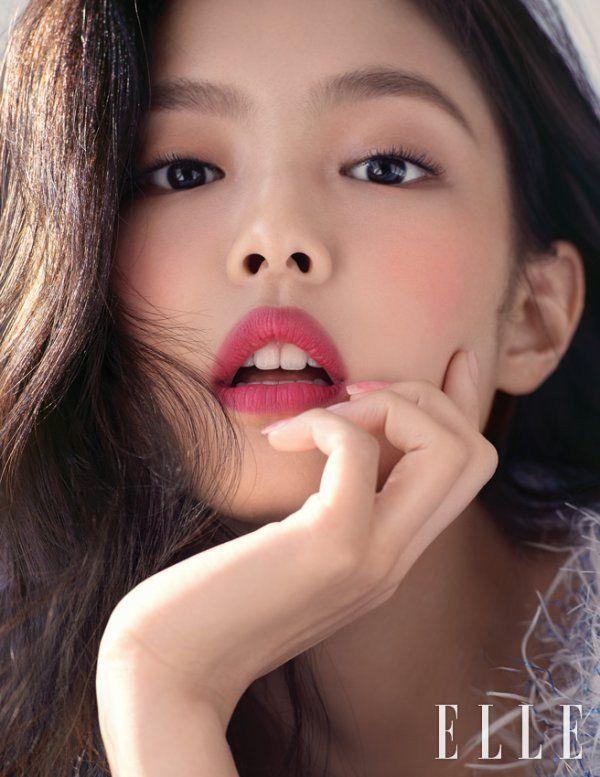 Ngọc Trinh khiến netizen khóc thét vì đeo lens giả trân-11