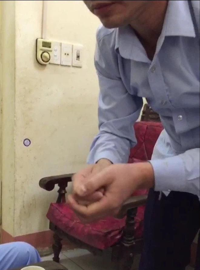 Bác sĩ ở Thái Nguyên bị tố chốt cửa, sàm sỡ thiếu nữ 16 tuổi ngay trong phòng bệnh-1