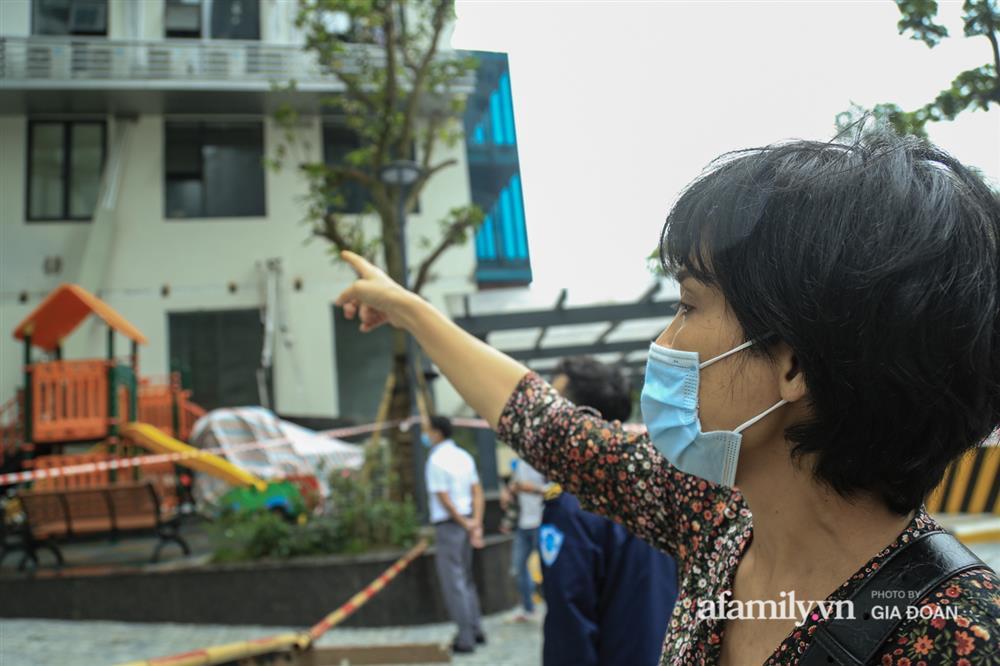 Vụ giàn cục nóng điều hòa đổ sập xuống sân chơi chung cư ở Hà Nội: Tử thần treo lơ lửng trên đầu trẻ nhỏ, chủ đầu tư bỏ chạy-2