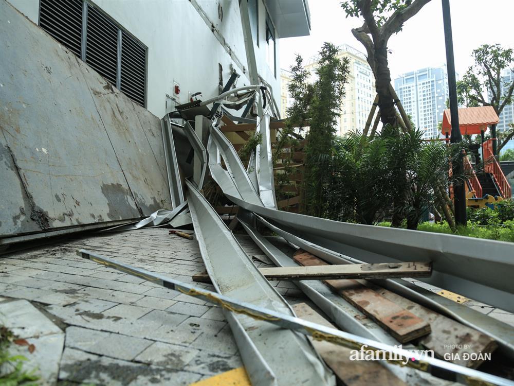 Vụ giàn cục nóng điều hòa đổ sập xuống sân chơi chung cư ở Hà Nội: Tử thần treo lơ lửng trên đầu trẻ nhỏ, chủ đầu tư bỏ chạy-5