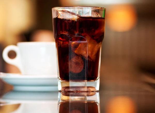 4 loại đồ uống hại thận, gây suy thận, bệnh thận mãn tính nhưng lại là thứ yêu thích của nhiều người trẻ-1
