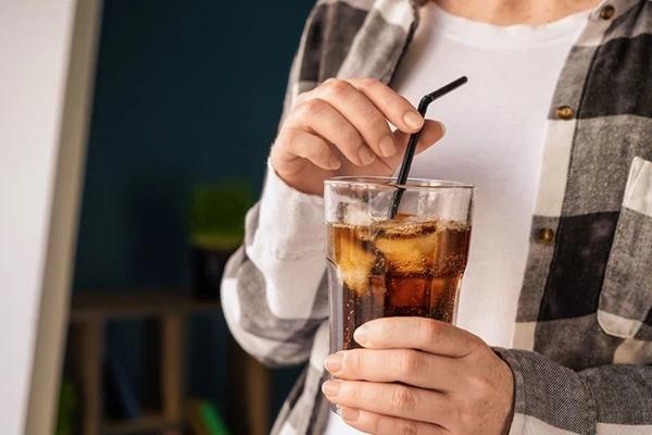 4 loại đồ uống hại thận, gây suy thận, bệnh thận mãn tính nhưng lại là thứ yêu thích của nhiều người trẻ-2