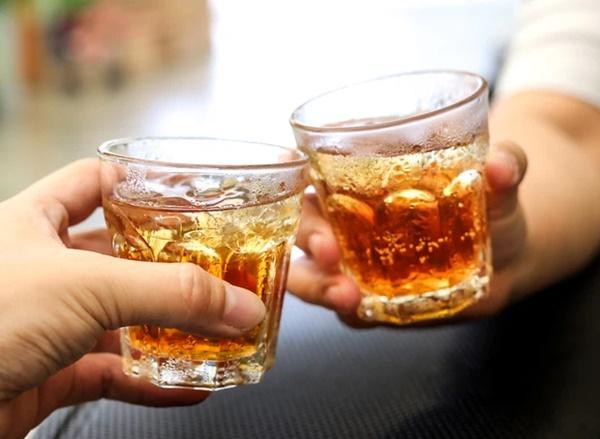 4 loại đồ uống hại thận, gây suy thận, bệnh thận mãn tính nhưng lại là thứ yêu thích của nhiều người trẻ-4