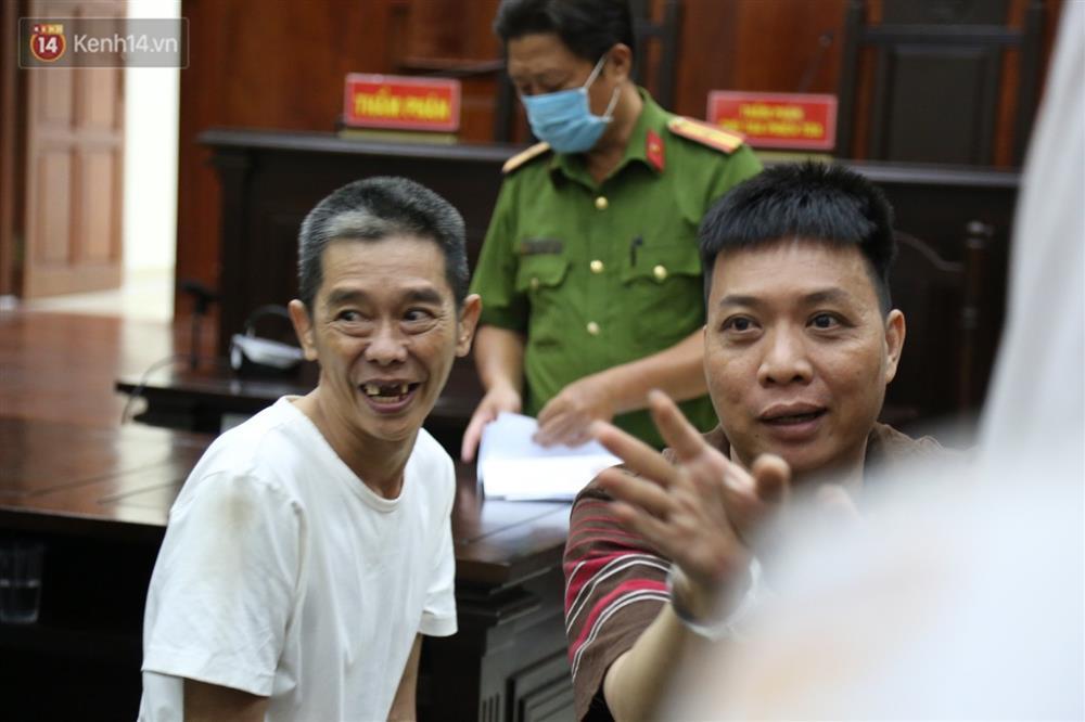 Y án tử hình ông trùm ma túy Văn Kính Dương, Ngọc Miu khóc nức nở, ôm chia tay người tình-7