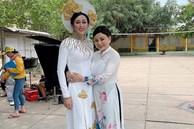 Bị vợ Dũng 'lò vôi' réo tên căng đét, NS Hoài Linh lộ diện với màn giả gái xuất thần và thái độ gây chú ý bên NS Lê Giang