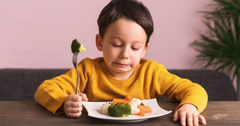 Trẻ có những thói quen này tương lai sẽ khó cao thêm, dù bố mẹ có cao bao nhiêu đi chăng nữa thì cũng khó có thể khắc phục-2