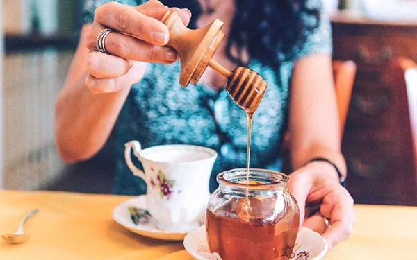 Trong ngày có 3 thời điểm vàng để uống mật ong, tận dụng sẽ giúp bạn nhận được gấp đôi lợi ích cả về giảm béo lẫn chống ung thư-1