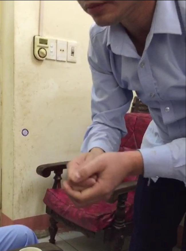 Bác sĩ trưởng khoa ở Thái Nguyên bị tố đè lên người sàm sỡ nữ bệnh nhân: Điều chuyển công tác, không cho tiếp xúc bệnh nhân-2