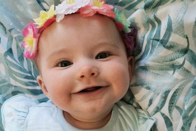 Bé 1 tuần tuổi trớ ra sữa màu xanh, bà mẹ đưa con đi khám rồi chết lặng khi bác sĩ báo hãy chuẩn bị tinh thần-1