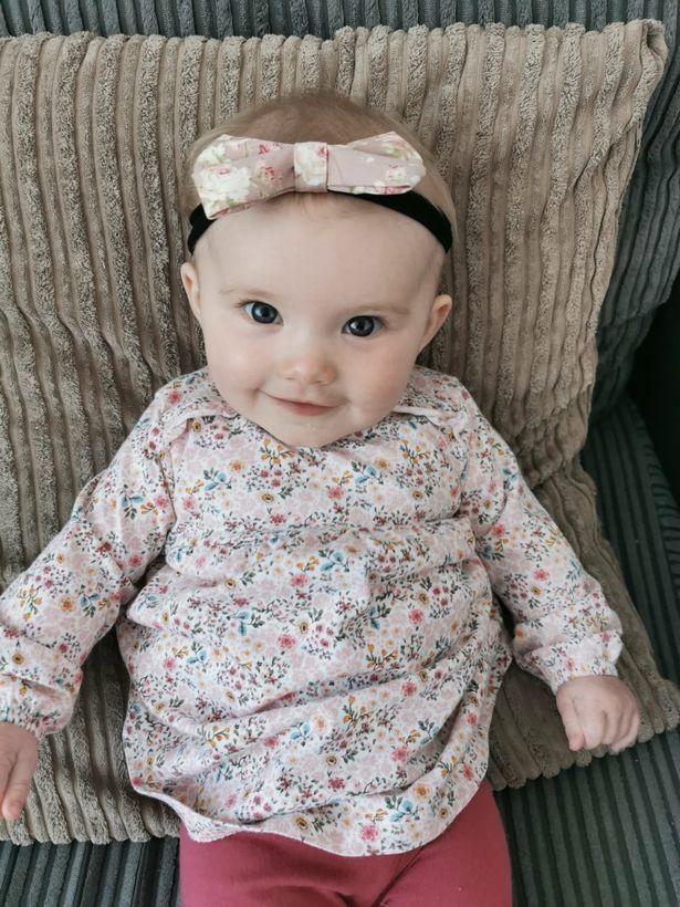 Bé 1 tuần tuổi trớ ra sữa màu xanh, bà mẹ đưa con đi khám rồi chết lặng khi bác sĩ báo hãy chuẩn bị tinh thần-2