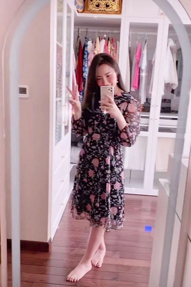 Primmy Trương khoe phòng ngủ với cả tủ nước hoa sang xịn, nhưng fan chỉ chú ý đến hình cô nàng trong gương sau loạt nghi vấn mang bầu-1