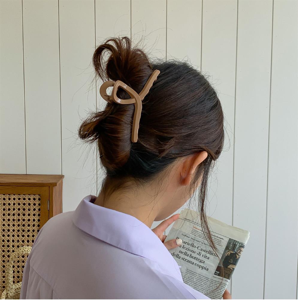 6 kiểu tóc lên hình sống ảo đẹp nhất: Đi chơi lễ cứ phải điệu đà, sang chảnh thế này mới được-9