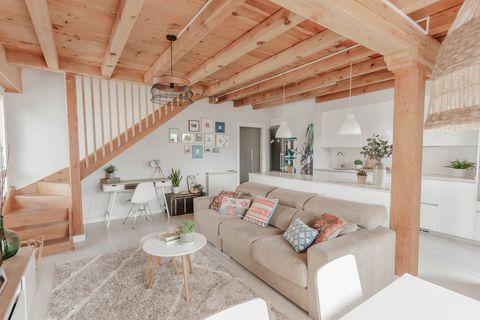 Căn hộ 2 tầng hiện đại và tiện dụng ở trung tâm thành phố được trang trí như một ngôi nhà nông thôn thanh bình-6
