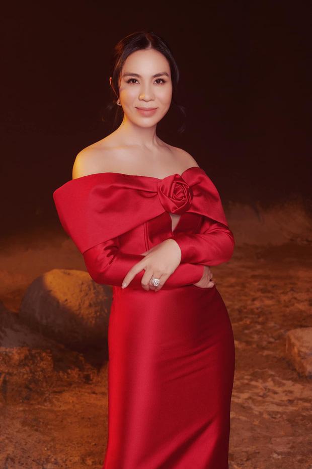 Người bị xoá trong ảnh Phạm Hương bên dàn mỹ nhân Hoàn vũ chính thức lên tiếng, còn tiết lộ mối quan hệ của mình với nàng Hậu-3