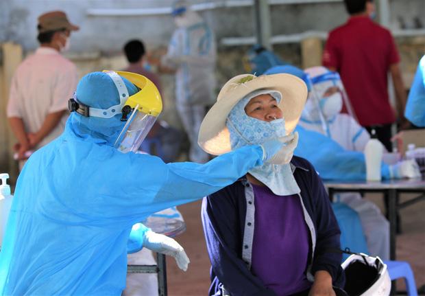 Kết quả xét nghiệm của 28 người ở Đà Nẵng tiếp xúc gần với ca Covid-19 tại Hà Nam-1