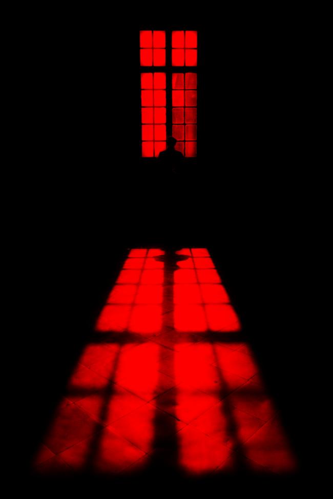 Lọ thuốc lạ sau chuyến công tác của chồng và căn phòng màu đỏ ám ảnh trên phố Vĩnh Hưng: Sự thật chỉ được rõ nét khi người ta thú nhận-4