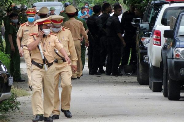 Vụ nổ súng 2 người chết ở Nghệ An: Nghi phạm trong biệt phủ đã bị khống chế-1