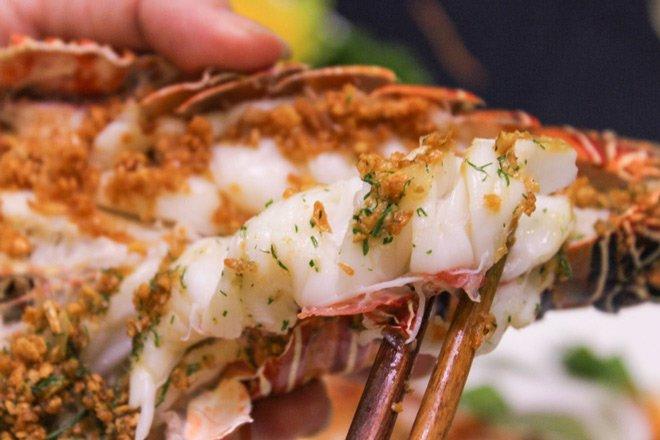 Sao vào bếp: Chị đại Thanh Hằng lại làm fan sáng mắt, nấu hải sản đỉnh như nhà hàng-9