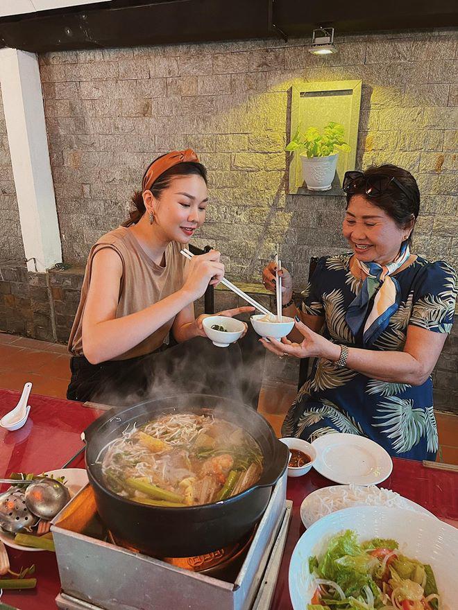 Sao vào bếp: Chị đại Thanh Hằng lại làm fan sáng mắt, nấu hải sản đỉnh như nhà hàng-3