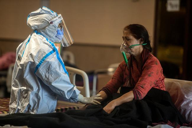 Lời kể ám ảnh của nhà báo Mỹ giữa địa ngục Ấn Độ: Không khí lúc này như thể có độc, ai cũng sợ hít thở, thi thể chất chồng mỗi ngày-3