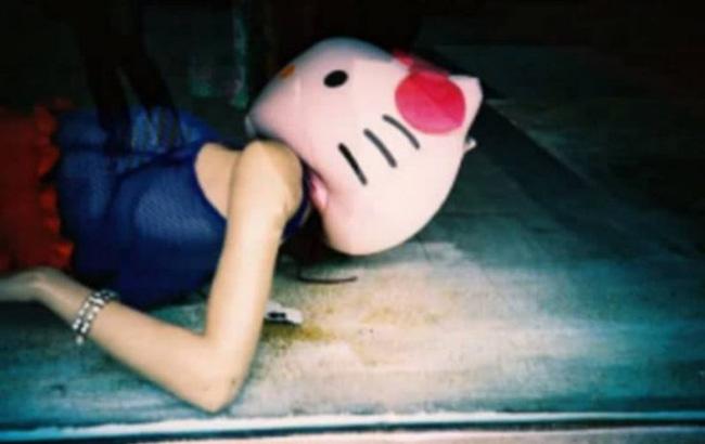 Đằng sau một món đồ chơi đáng yêu, Hello Kitty chứa đựng lời đồn ghê rợn, bắt nguồn từ bi kịch mẹ bất chấp cứu con gái 14 tuổi mắc bệnh ung thư-4