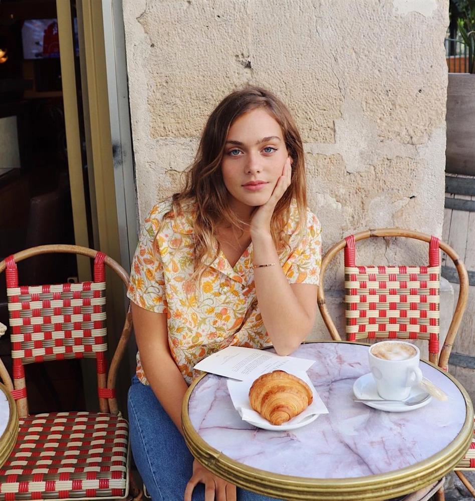 Kiểu áo sơ mi bỏ bùa gái Pháp: Mặc lên trẻ ra mấy tuổi, độ thanh lịch thì miễn chê-9