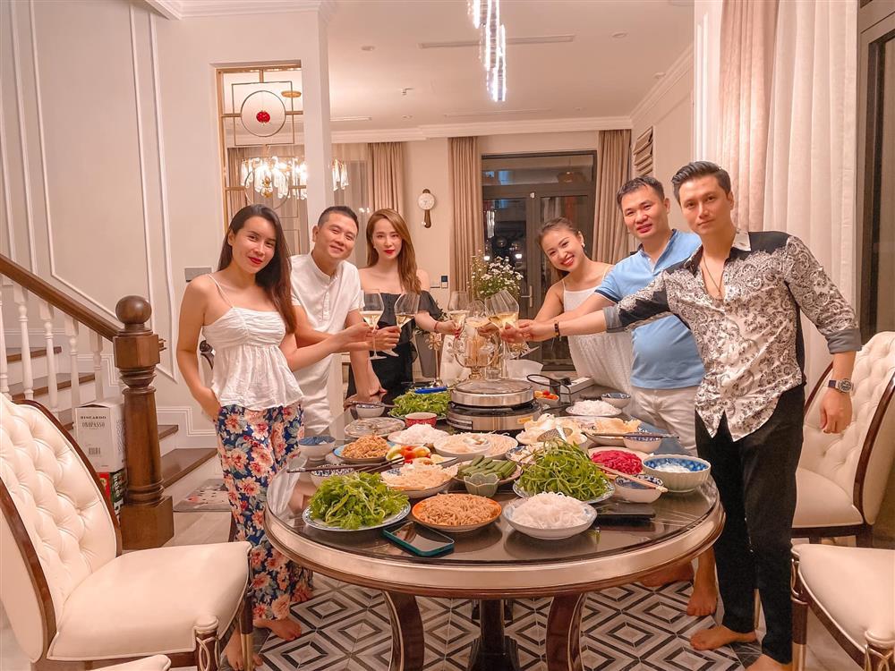 Quỳnh Nga để lộ danh tính chồng sắp cưới của Vân Hugo-1