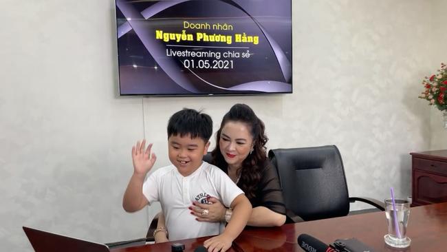Vợ ông Dũng lò vôi cho cậu con trai 9 tuổi mệnh danh là tỷ phú nhỏ tuổi nhất Việt Nam lên sóng nêu cảm nhận về ông Võ Hoàng Yên!?-1