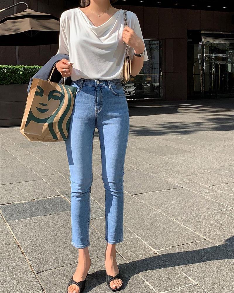 Mix quần skinny jeans với 4 kiểu áo sau thì ai cũng sẽ khen bạn mặc đẹp-3