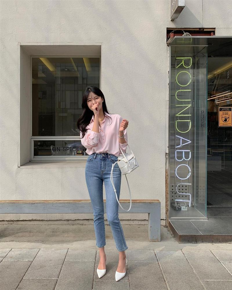 Mix quần skinny jeans với 4 kiểu áo sau thì ai cũng sẽ khen bạn mặc đẹp-7
