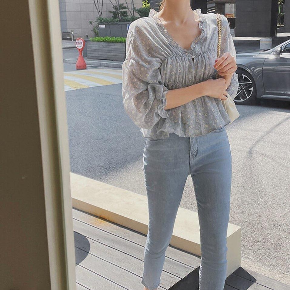 Mix quần skinny jeans với 4 kiểu áo sau thì ai cũng sẽ khen bạn mặc đẹp-11