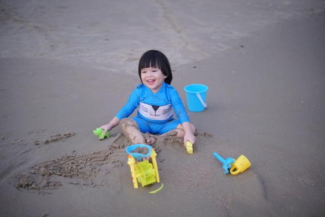 Diễn viên Lê Khánh - phụ huynh điển hình của thế hệ Alpha: Cho con trai để tóc dài như con gái, lạ nhất là câu trả lời khi có người hỏi giới tính của con-11