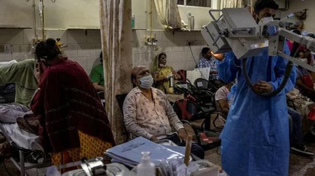 Lại 1 ngày kinh hoàng: Ấn Độ tiếp tục lập kỷ lục hơn 400.000 ca nhiễm mới trong ngày, chìm sâu trong địa ngục Covid-1