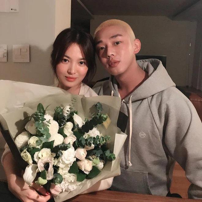 Song Hye Kyo đã đích thân cảm ơn nhân vật này qua Instagram.-4