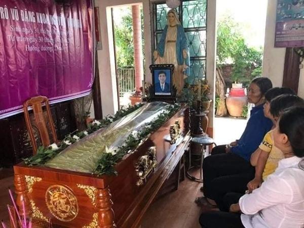 Xót xa tang lễ của nam sinh Nghệ An tử.vong sau khi cứu sống 4 cô gái tắm biển ở Huế-2