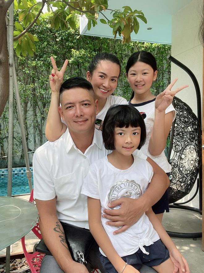Nhan sắc U50 của nữ đại gia là vợ MC Bình Minh-3