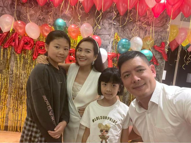 Nhan sắc U50 của nữ đại gia là vợ MC Bình Minh-4