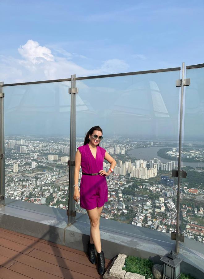 Nhan sắc U50 của nữ đại gia là vợ MC Bình Minh-6