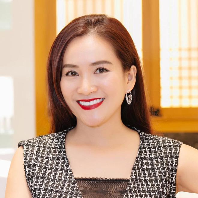 Nhan sắc U50 của nữ đại gia là vợ MC Bình Minh-7