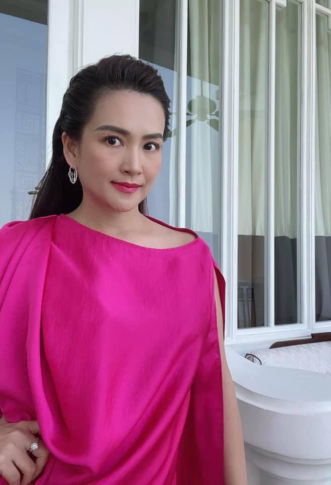 Nhan sắc U50 của nữ đại gia là vợ MC Bình Minh-9