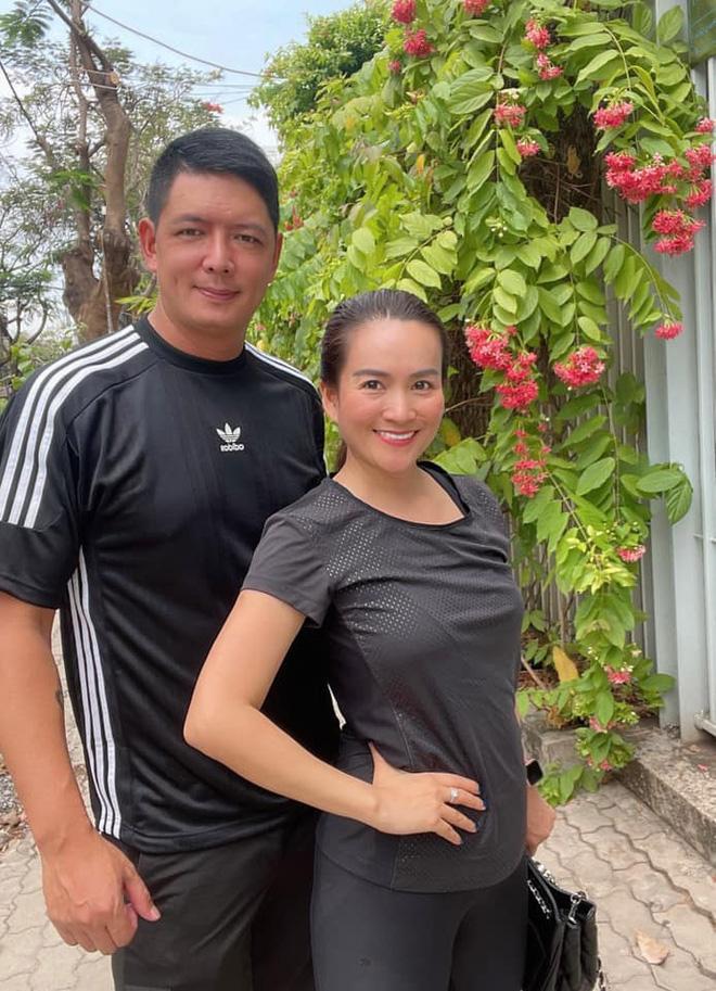 Nhan sắc U50 của nữ đại gia là vợ MC Bình Minh-10