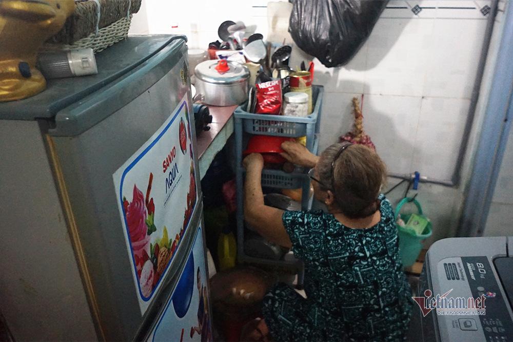 Nghệ sĩ Trung Vinh: Ở nhà trọ 12 m2, vợ chịu đựng chăm sóc, con bỏ mặc-5