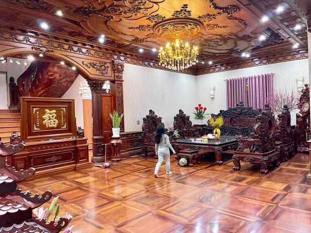 Biệt thự bề thế của gia đình 9X Bắc Ninh: Diện tích 400m2 với 4 tầng, nội thất tinh xảo toàn gỗ nguyên khối nhập từ Lào-6