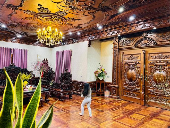 Biệt thự bề thế của gia đình 9X Bắc Ninh: Diện tích 400m2 với 4 tầng, nội thất tinh xảo toàn gỗ nguyên khối nhập từ Lào-7
