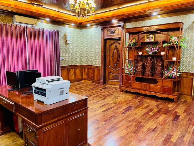 Biệt thự bề thế của gia đình 9X Bắc Ninh: Diện tích 400m2 với 4 tầng, nội thất tinh xảo toàn gỗ nguyên khối nhập từ Lào-10